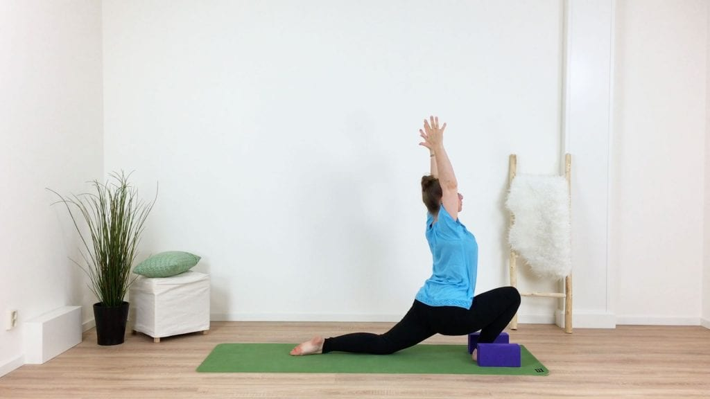 yoga met blokken asana